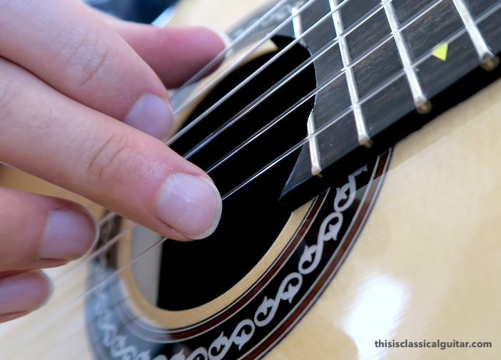 Nail Contact on String for Classical Guitar - m finger