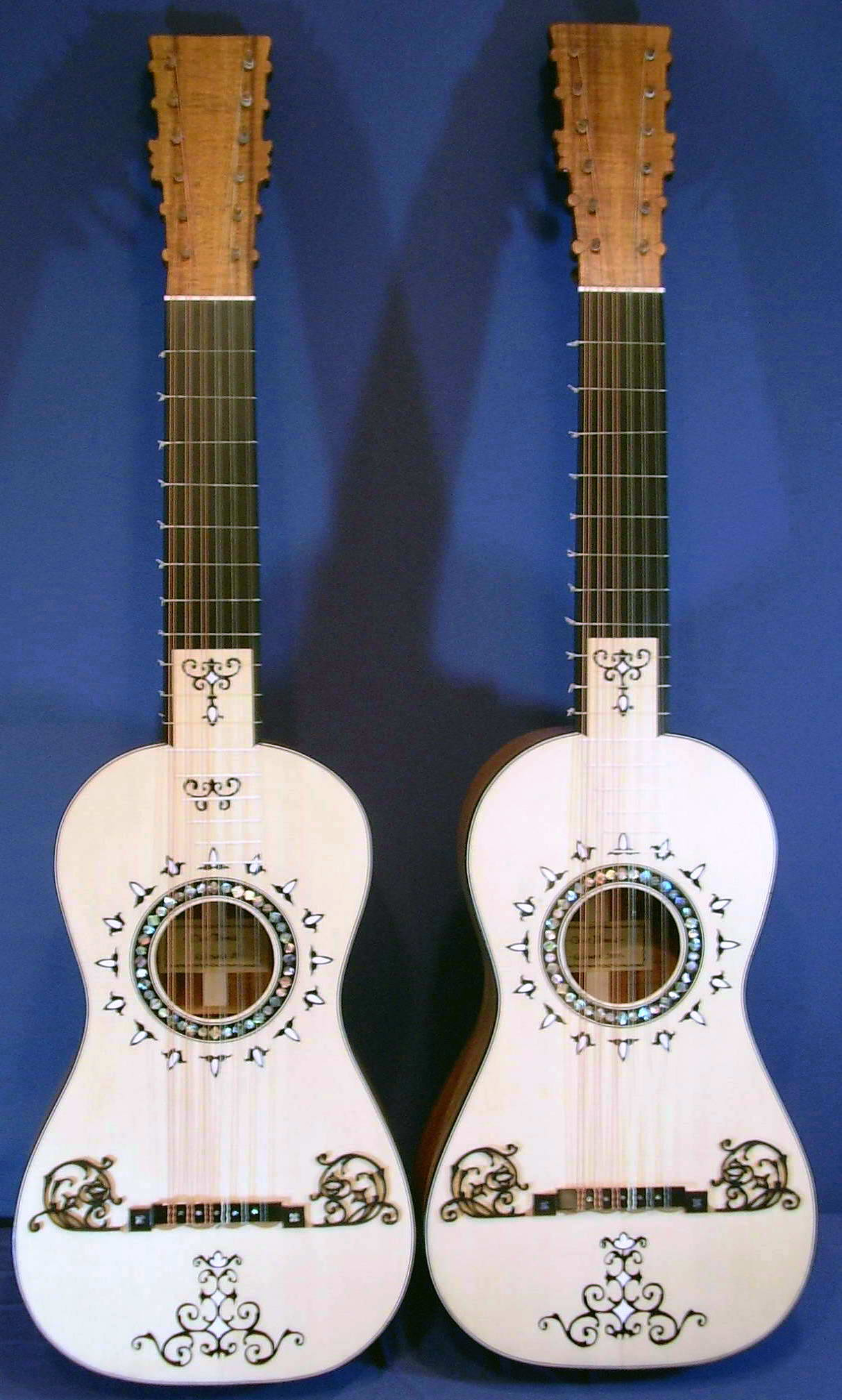 an overview of the six course guitar by clive titmuss this is classical guitar. Black Bedroom Furniture Sets. Home Design Ideas