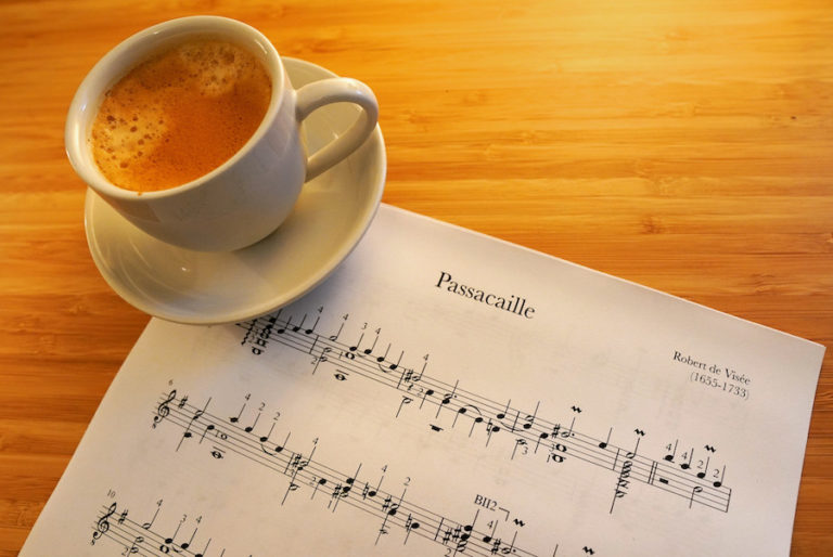 Passacaille by Robert de Visée - Free PDF Sheet Music or Tab