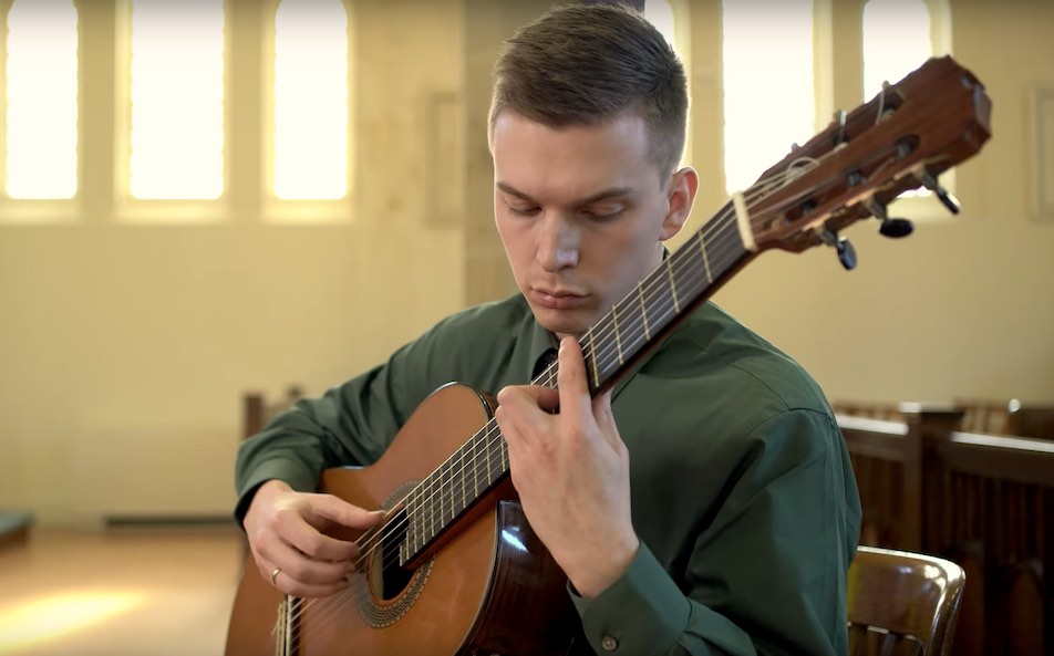 Simon Farintosh Plays Preludes by Scriabin