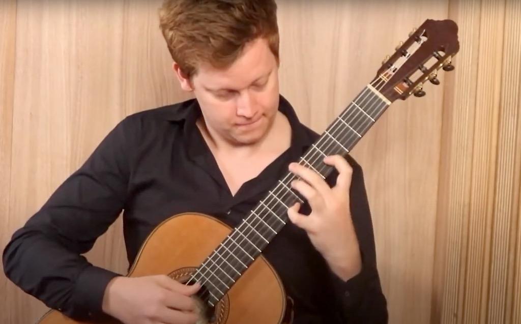 Campbell Diamond Plays Rondò pour guitare, Op. 129 by Tedesco