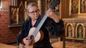 Raphaella Smits Plays Elegie by Mertz