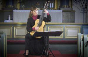 Mari Mäntylä - Guitar